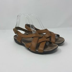 Merrell Tan Leather Strappy Sandals Womens Sz 7
